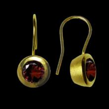 vza166ED (Gold Round earrings with Semi Precious Stone)